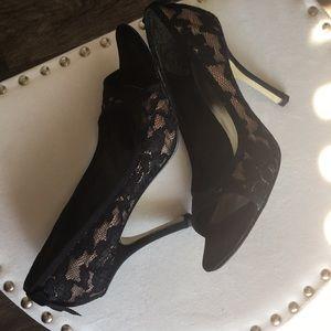 💎Beautiful lace Joey heels 👠